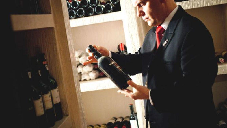 ¿Cómo guardar una botella de vino abierta?